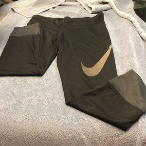 Nike dark gray/light gray capris